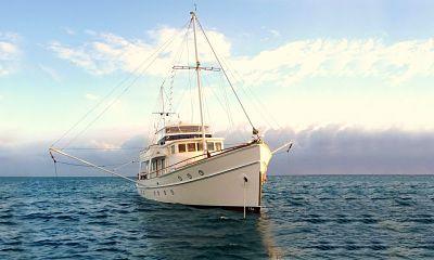 Boating in the Whitsunday Islands, Australia